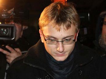 Omicidio Garlasco, le lacrime di Alberto Stasi dopo la condanna