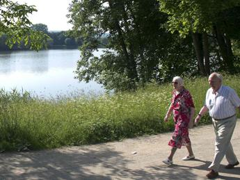 Camminare lentamente potrebbe essere segnale dell'arrivo dell'Alzheimer