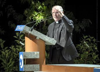 Monsignor Galantino: Bergoglio è un Papa politico