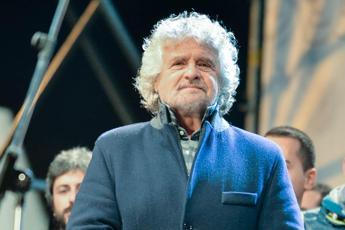 Grillo pronto a tornare in tv, ma le emittenti non sanno nulla