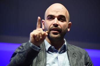 Dei fessi bisogna aver paura, Saviano contro Salvini