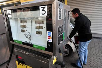 Benzina e diesel, prezzi congelati