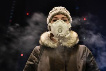 Non fa male solo ai polmoni, smog nemico di pelle e capelli
