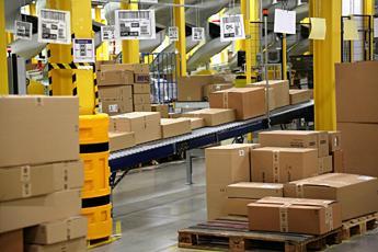 Amazon sperimenta settimana lavorativa a 30 ore