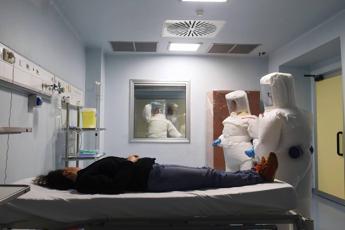 Ebola, problemi neurologici a 6 mesi da infezione per molti sopravvissuti