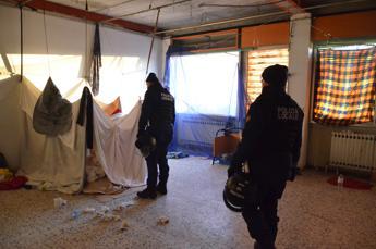 In dodici abitavano in 50 mq, sequestrato appartamento a Jesolo