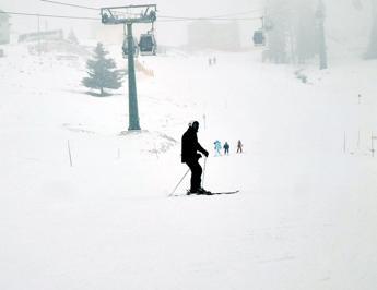 Si schianta contro un tronco in Alto Adige, grave sciatore