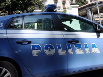 Roma, fingono donazione e raggirano anziane: arrestata coppia di truffatori