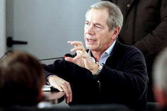 Coronavirus, Bertolaso: Imporre prezzi 'politici' per disinfettanti