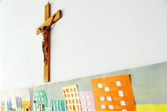 Niente benedizioni in una scuola bolognese, Tar accoglie ricorso dei genitori