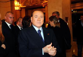 Berlusconi: Renzi potrebbe condurre l'Isola dei famosi