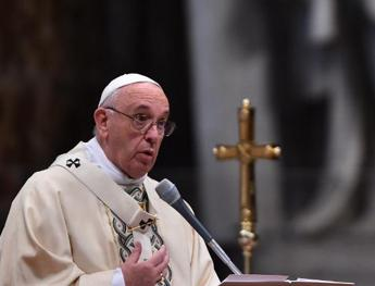 Pope Francis takes part in Lent spiritual exercises