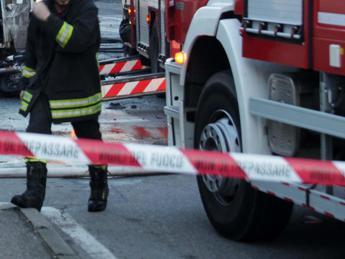 Napoli, esplosione in un appartamento del centro: morta una donna