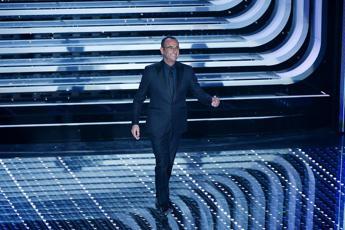 Sanremo, Leone e Conti: Fiorello twitta che verrà sabato... magari!