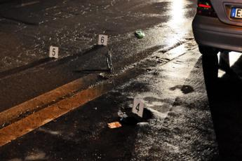 Roma: gambizzato in via Nomentana, è grave