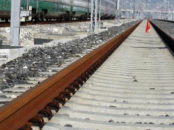 Scontro treni, su Twitter esplode la polemica sul 'binario unico'