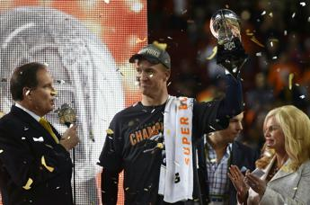 Denver trionfa al Super Bowl, Manning sul trono prima dell'addio