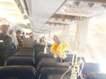 Mogadiscio, esplosione nella fusoliera dell'aereo somalo provocata da una bomba