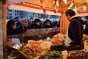 Locali con affitti alti e troppe tasse, boom di street food e negozi on line