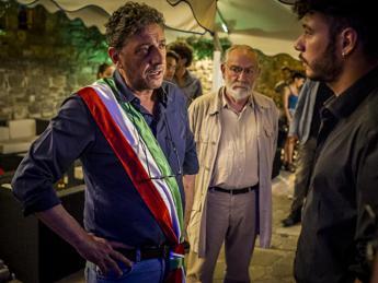 L'esempio civico di Angelo Vassallo nel film 'Il Sindaco Pescatore' l'8 febbraio su Rai1 con Castellitto /Video