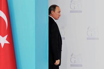 Tv russa contro la Bbc: Rovina la reputazione della Regina