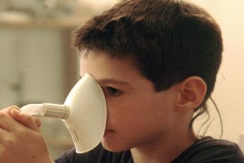 Aerosol ai bambini contro tosse e raffreddore? Non serve
