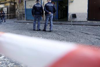 Napoli, sparatoria con polizia: morto rapinatore 17enne