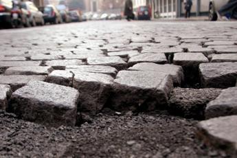 Buche in strada a Roma, class action per obbligare Comune a ripararle