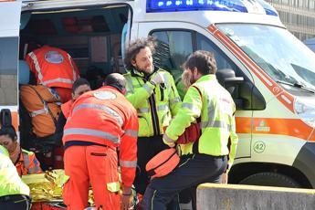 Ambulanza presa a sprangate, medici: Napoli come Raqqa