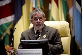 Scandalo Petrobras, nuova denuncia per ex presidente brasiliano Lula