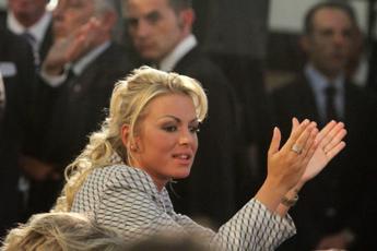 Da first lady a compagna silente: che fine ha fatto Francesca Pascale