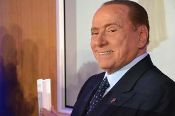 Berlusconi: Se Renzi lascia, lo prendo come annunciatore a Mediaset