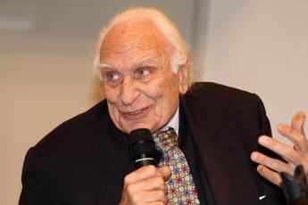 Marco Pannella ricoverato in una struttura ospedaliera