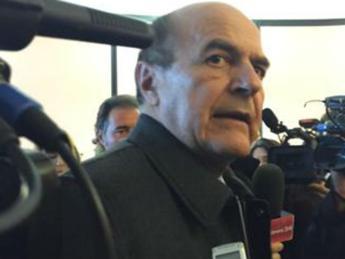 Bersani: Renzi governa comodamente con i miei voti