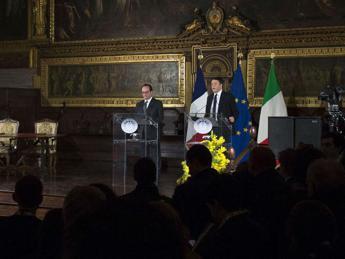Vertice Renzi-Hollande: In Libia governo è priorità, ma il tempo non è infinito /Video