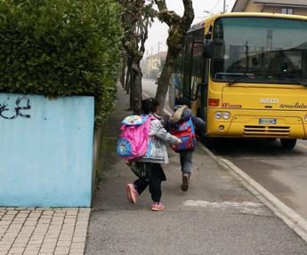 Miozzo (Cts): Scuolabus pieni al massimo per 15 minuti