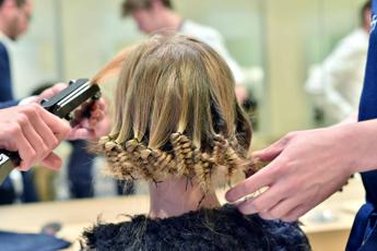 Le millennial italiane scelgono il parrucchiere digitale