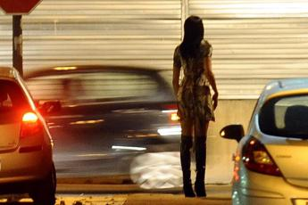 Roma: sequestra prostituta, arrestato 38enne dopo un inseguimento