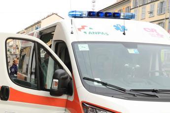 Varese, bimbo di 3 anni muore cadendo dal balcone