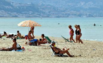 Filtri Uv in creme solari mettono a rischio spermatozoi e fertilità