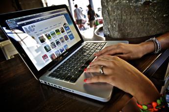 Attacchi informatici in calo a marzo in Italia, resta il pericolo Conficker