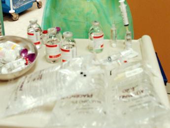 Vicenza, gara medici-infermieri a chi infila la cannula più grossa