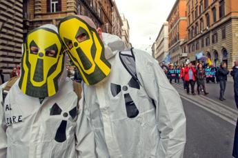 Scorie radioattive e sperimentazione animale, Ue bacchetta l'Italia