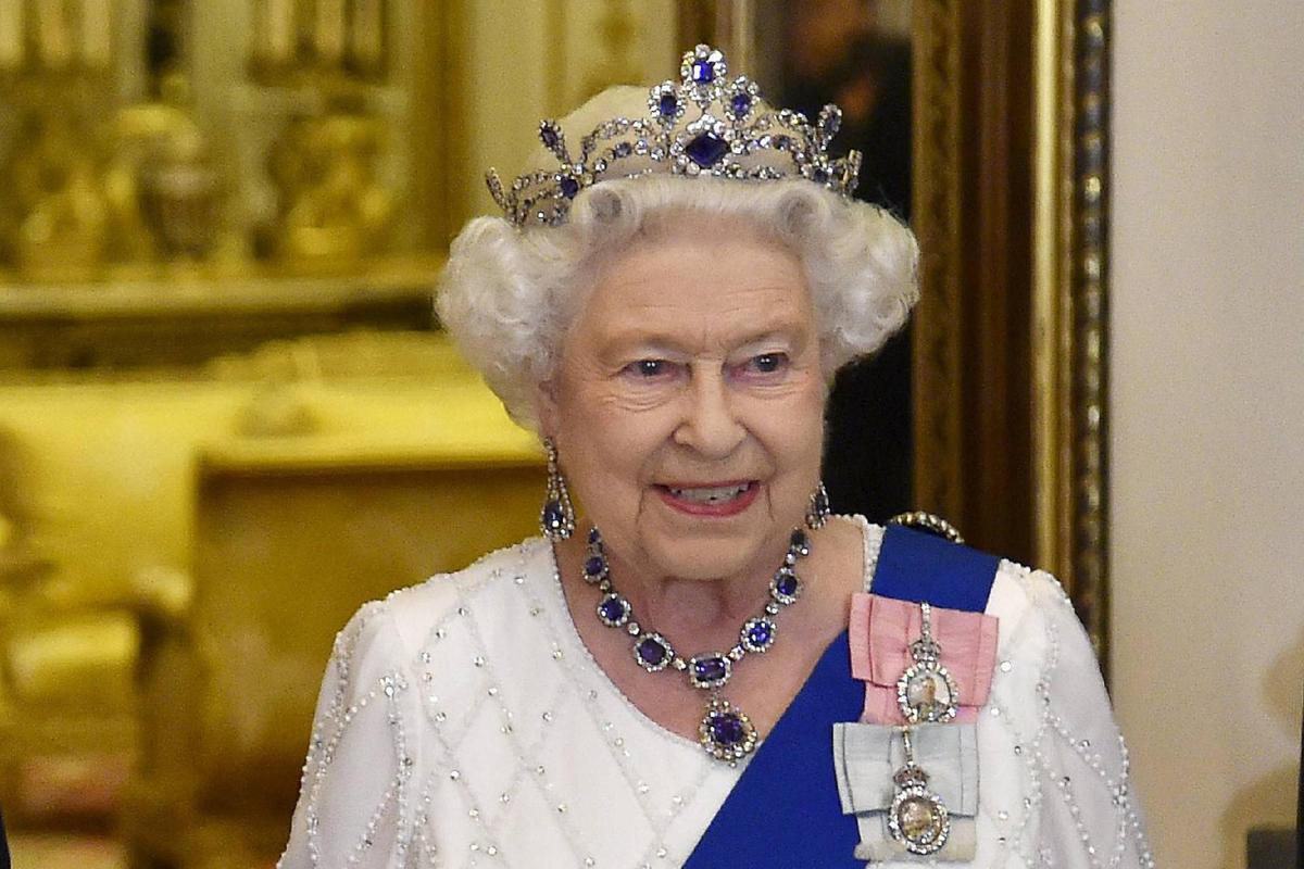 Vuoi avere la Regina Elisabetta come capo Ecco tutte le posizioni aperte alla Royal Household