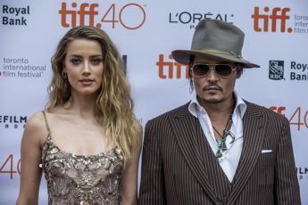 La moglie di Johnny Depp a processo per trasporto illegale di cani