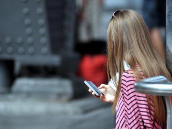 Adolescenti in vacanza rapiti dai social