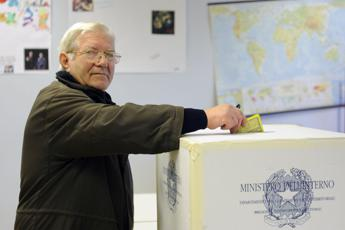 Filctem-Femca-Uiltec, preoccupati per vittoria dei sì al referendum