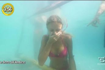 'Isola dei Famosi', l'apneista: Mercedesz Henger vicina allo svenimento /Video