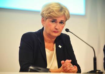 Guidi e l'intercettazione con il compagno, il ministro si dimette: Opportunità politica