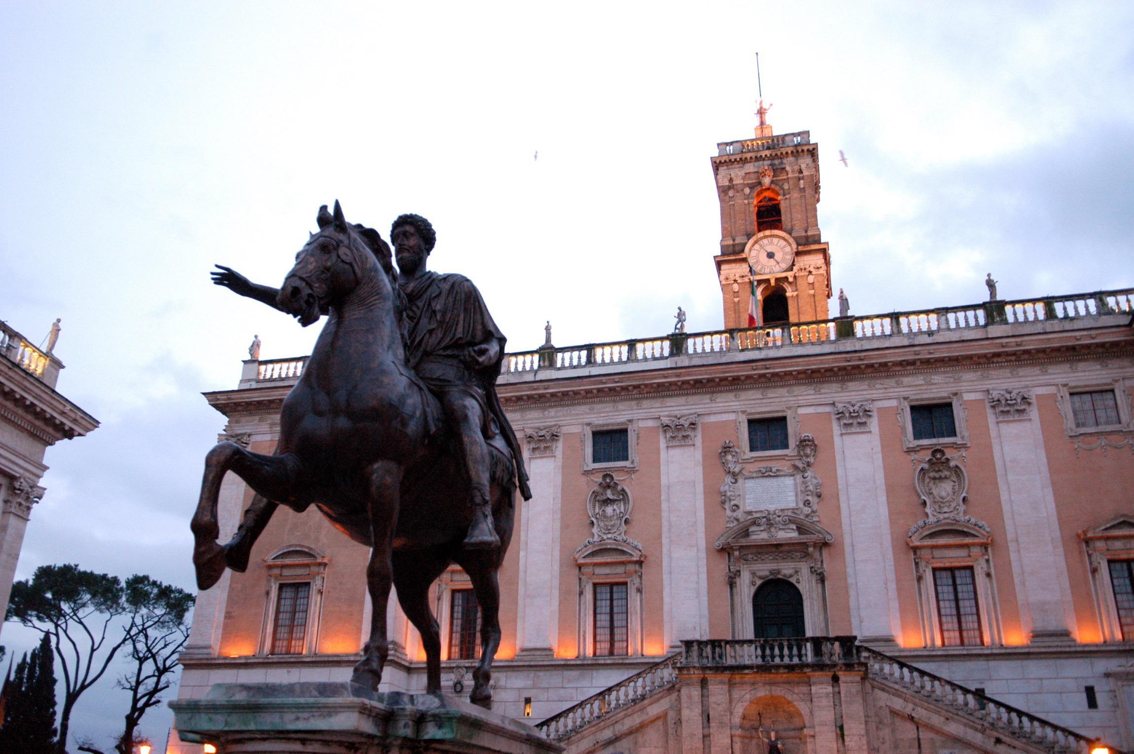 Roma, giunta Raggi già nel caos: si dimettono assessore Bilancio e capo gabinetto